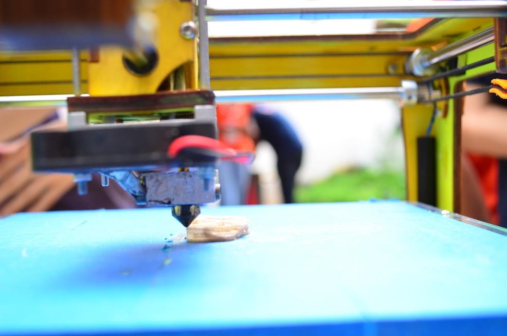 manufacturing incubator and accelerator program
