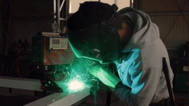 Engaged_Manufacturing_Employee